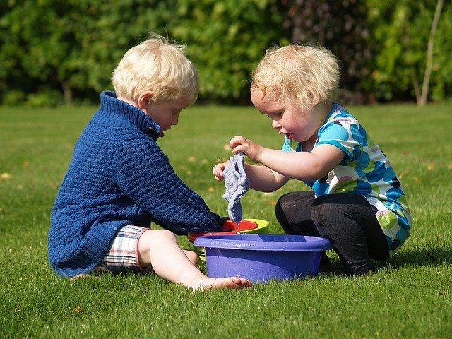 Quels sont les avantages de la garde d'enfant par une assistante maternelle ?